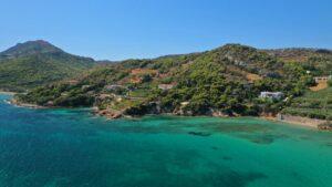 Ένας κρυμμένος «παράδεισος» μόλις 40 λεπτά από την Αθήνα