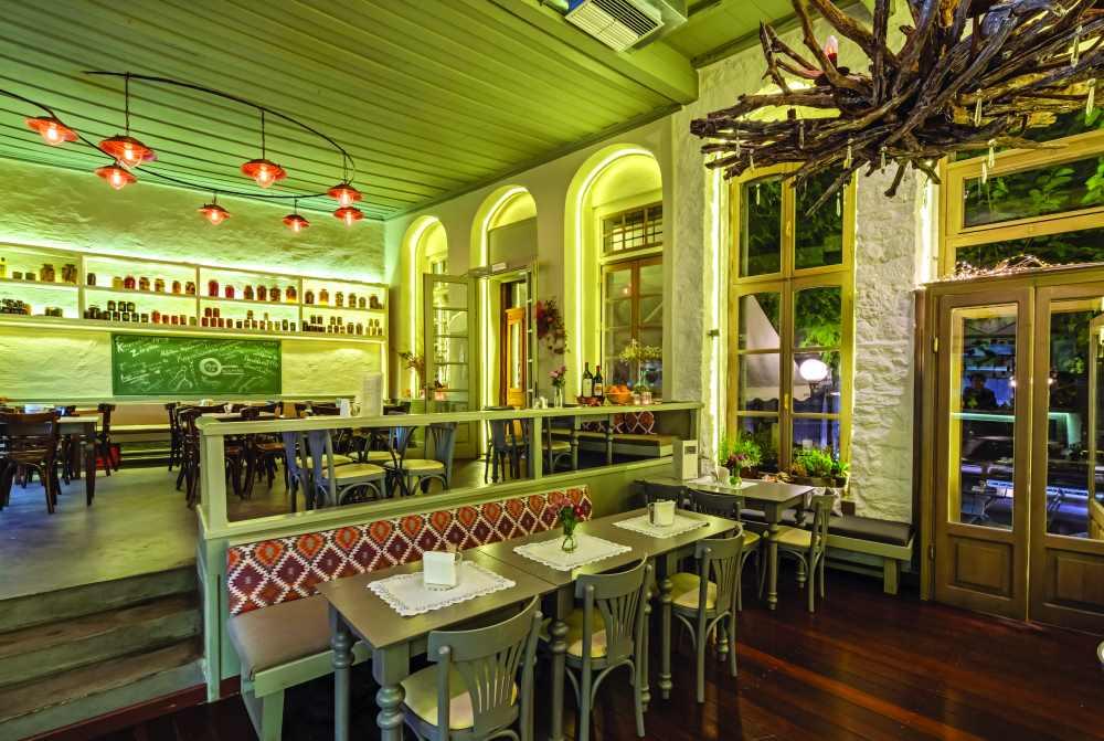 Το καφενείο του Ζάμπα, Αράχωβα