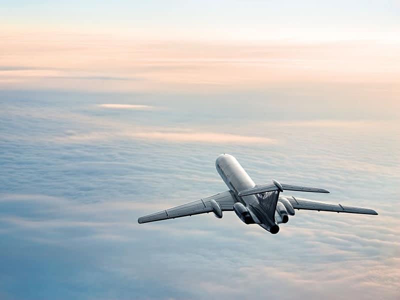 αεροπλάνο στον αέρα