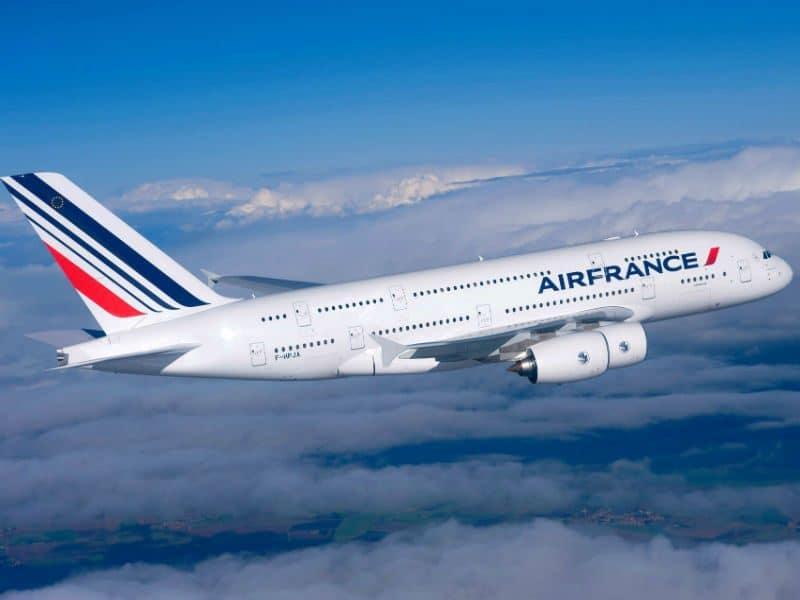 Μεγάλα προβλήματα στις αεροπορικές πτήσεις στη Γαλλία!
