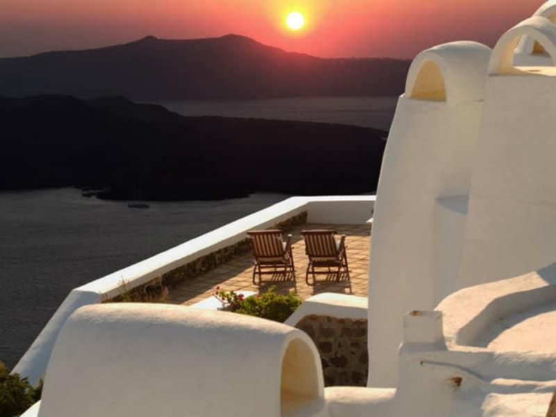 """Στο """"σφυρί"""" χιλιάδες ξενοδοχεία σε όλη την Ελλάδα!"""