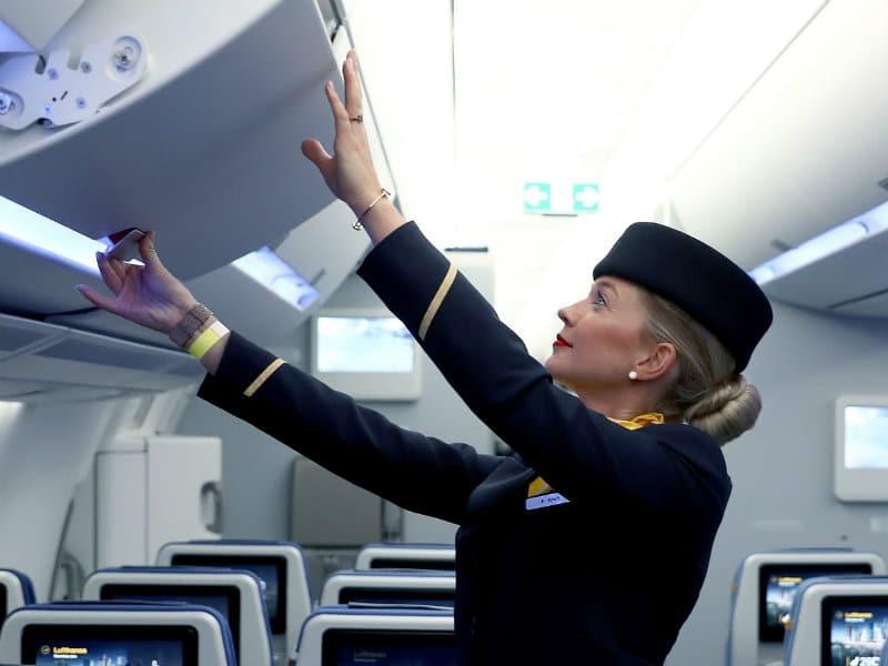 Οι συμβουλές από αεροσυνοδούς για να έχετε καλύτερα ταξίδια!