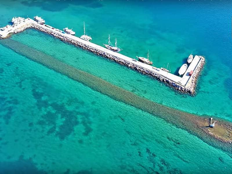 Τα δύο λιμάνια στην Ερέτρια που τα χωρίζουν…2.500 χρόνια! (video)