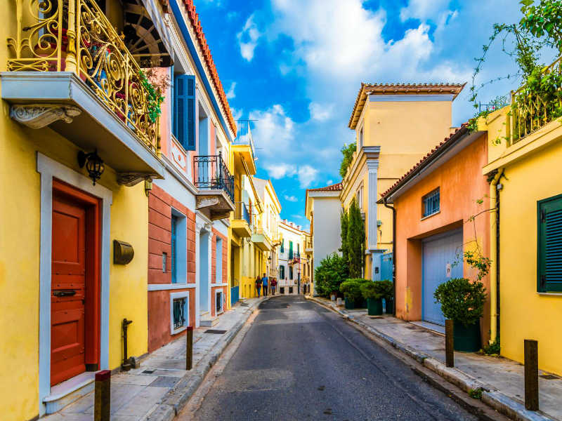 Όσα αξίζει να ανακαλύψετε για την πιο γραφική συνοικία στην Αθήνα!
