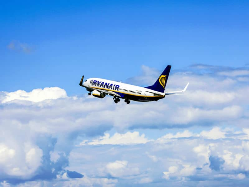 Ryanair προσφορές - Ryanair αεροπλάνο