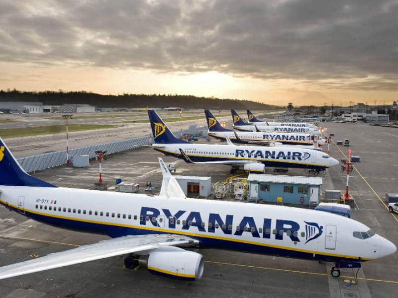Ryanair: Μεγάλη Χριστουγεννιάτικη προσφορά για τα γιορτινά σας ταξίδια!