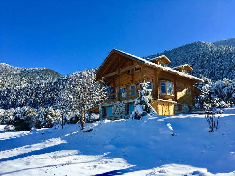 Airbnb: Το ξύλινο σαλέ στη Βυτίνα που εντυπωσιάζει!