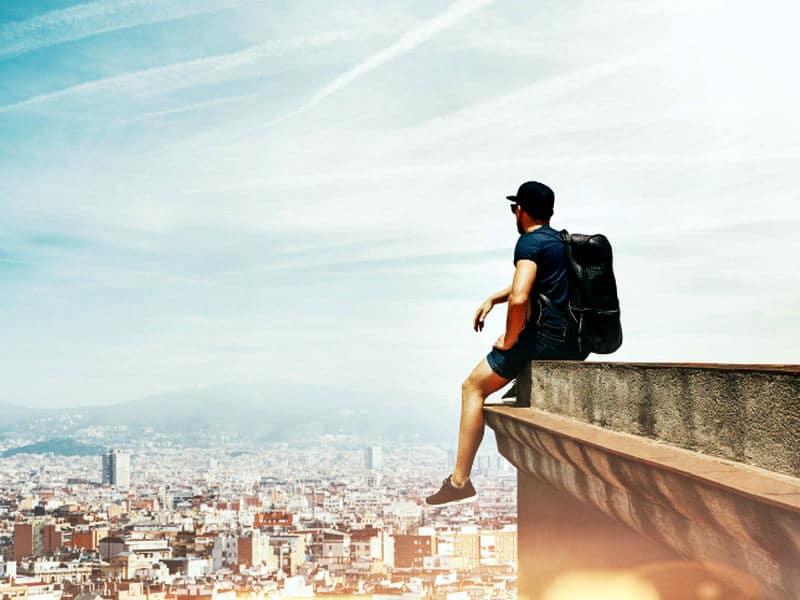 10 ταξίδια που πρέπει να κάνει κάποιος πριν τα 30!