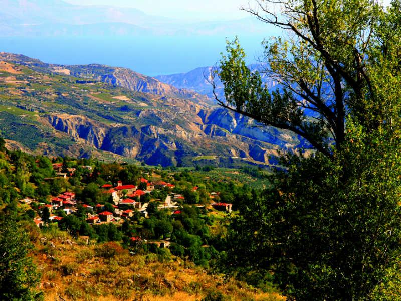 Τρίκαλα Κορινθίας: Χειμερινή απόδραση μία «ανάσα» από την Αθήνα!