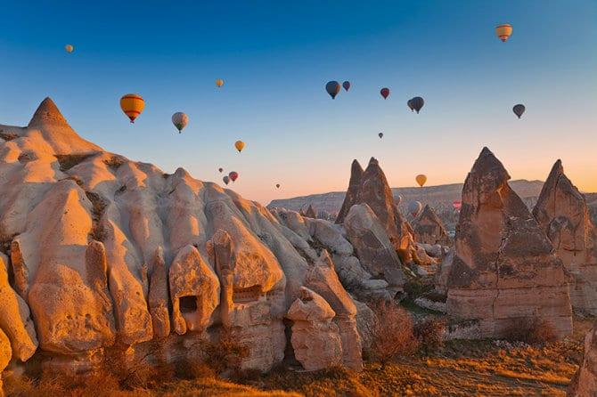 Air & Underground, Τουρκία
