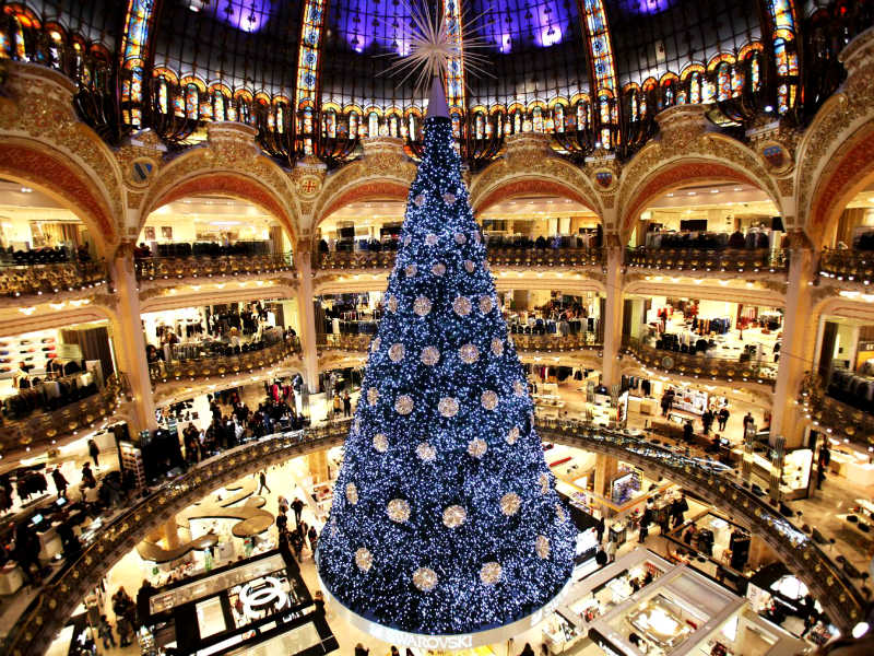 Τα 7+1 πιο εντυπωσιακά Χριστουγεννιάτικα δέντρα σε όλο τον κόσμο;
