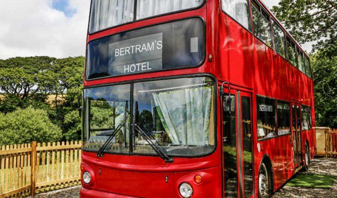 ξενοδοχείο λεωφορείο