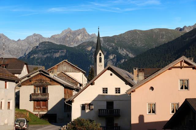 Γκουάρντα, χωριό στην Ελβετία