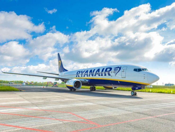 Ryanair exterior - νέα δρομολόγια και προσφορές