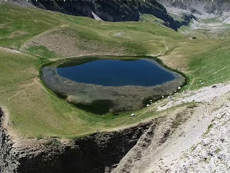 Δρακολίμνη: Μία εντυπωσιακή αλπική λίμνη στην Ήπειρο! (video)