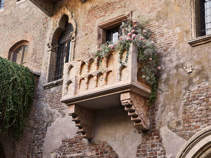 Airbnb: Ένα τυχερό ζευγάρι θα μείνει στο «σπίτι της Ιουλιέτας» στη Βερόνα την ημέρα του Αγίου Βαλεντίνου!