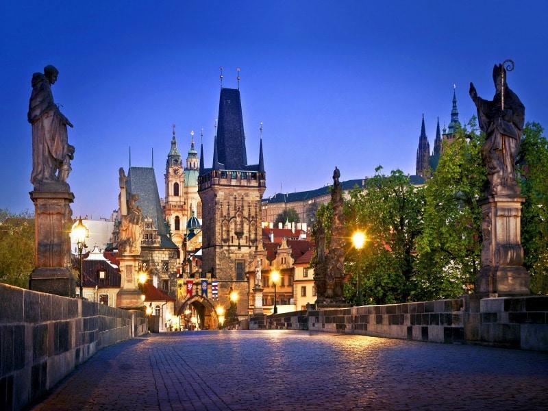 Πράγα: Ένα ταξίδι στα πιο όμορφα σημεία της! (video)