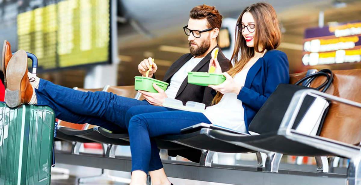 Φαγητό στο αεροδρόμιο: Τι να προτιμάτε να τρώτε! Οι διατροφολόγοι απαντούν