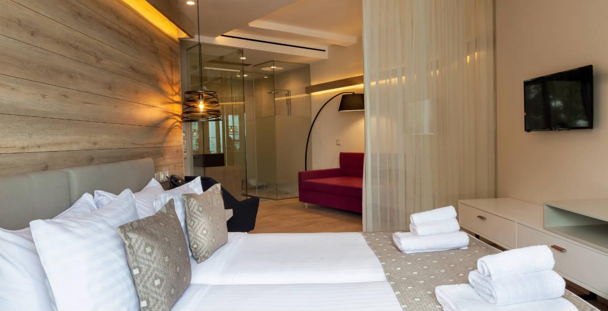Παντρεύεσαι; Για μια μοναδική νύχτα γάμου κλείσε τη νυφική σουίτα του νέου Seasabelle Hotel στην Αρτέμιδα!