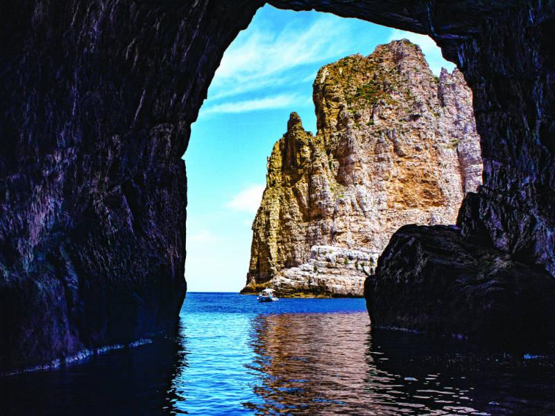 Αιγάδες Νήσοι: Πέντε απομονωμένα, γεμάτα ιστορία νησιά έτοιμα να αφήσουν το στίγμα τους!