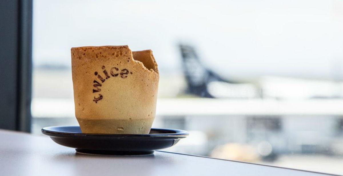 Αεροπορική εταιρεία καινοτομεί με τις κούπες καφέ που… τρώγονται!