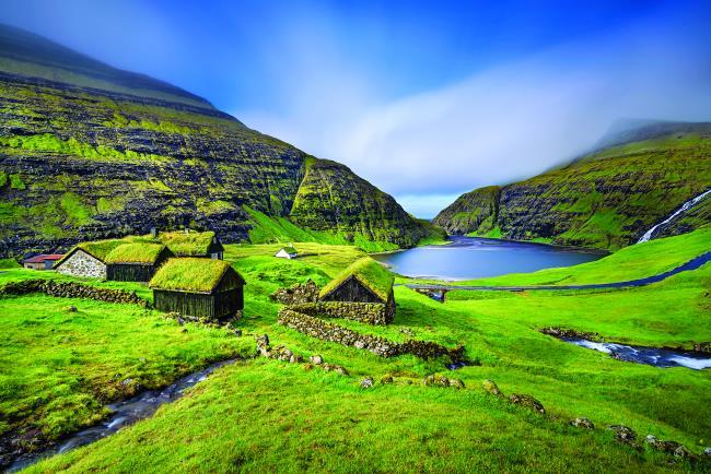 Παραδοσιακά σπίτια στις Νήσους Φερόες της Δανίας