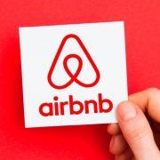 Airbnb οικοδεσπότες