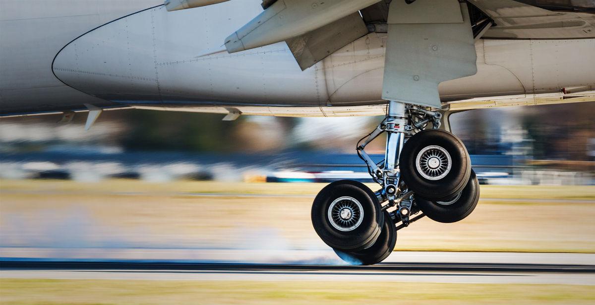 Book now: Αεροπορικά εισιτήρια για Μύκονο & Σαντορίνη τον Αύγουστο με… €35!