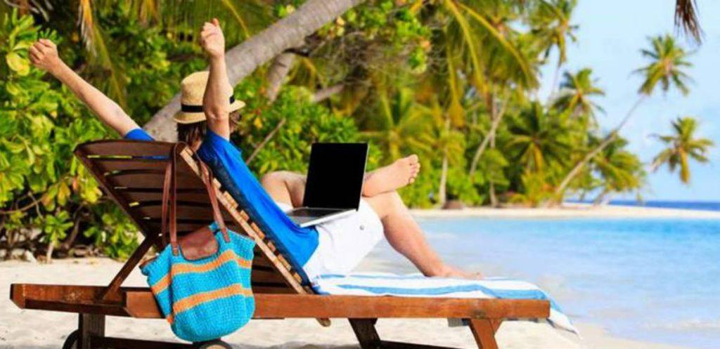 Ψηφιακοί νομάδες στην παραλία