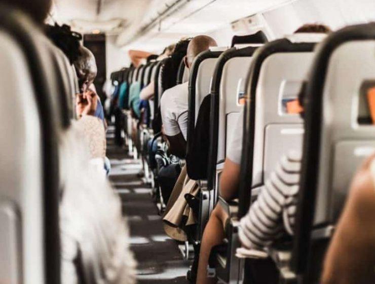 Κορονοϊός: Συμβουλές για όσους πρέπει να ταξιδέψουν αυτή την εποχή