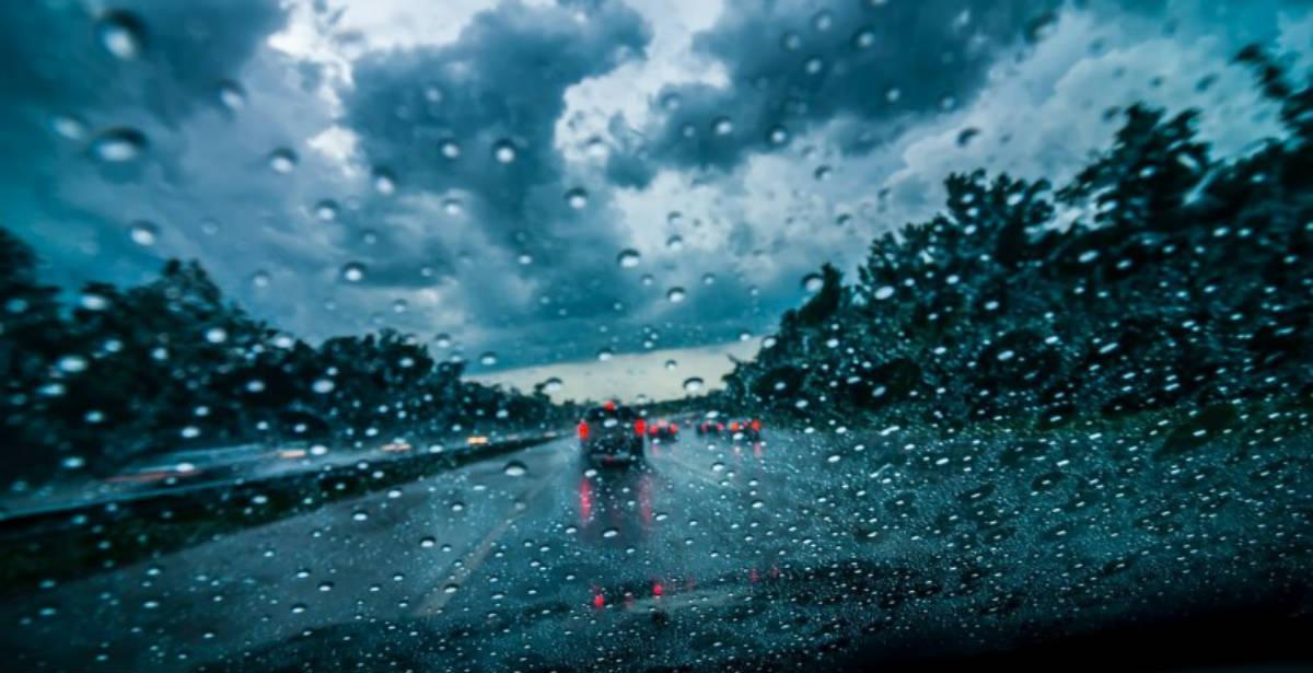 Βροχερός ο καιρός και σήμερα! Έρχεται ισχυρή κακοκαιρία το Σαββατοκύριακο!