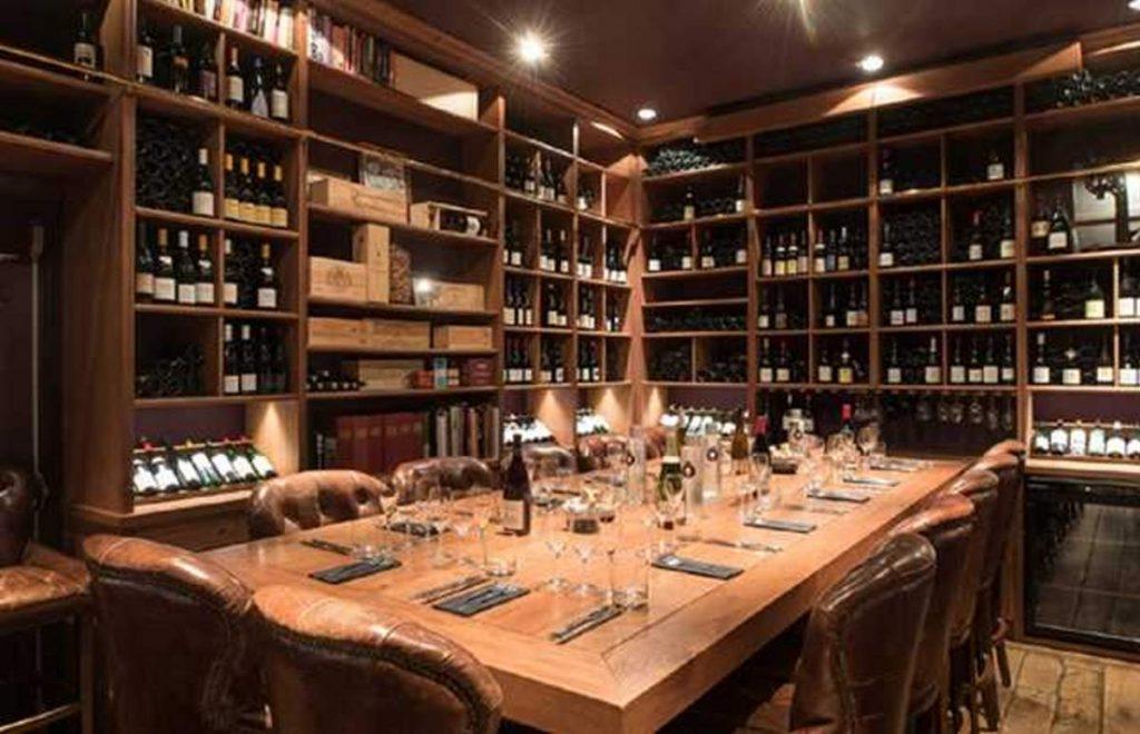 Ô Chateau wine bar