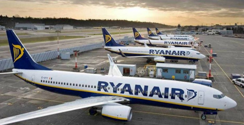 Ryanair αεροπλάνα - πτήσεις
