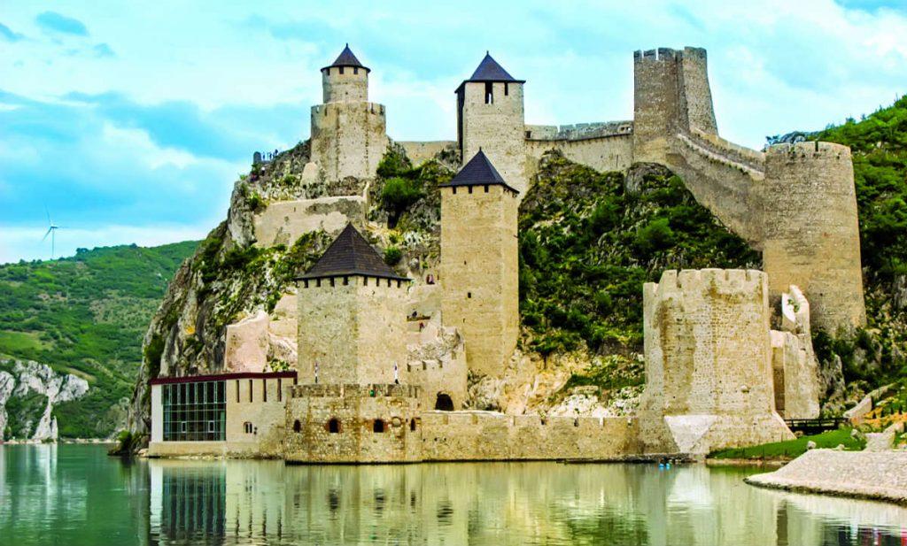 Φρούριο Γκόλουμπακ, Σερβία