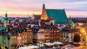 """Βαρσοβία: Η """"αριστοκρατική"""" πρωτεύουσα της Πολωνίας μάς αποκαλύπτει τις ομορφιές της! (βίντεο)"""