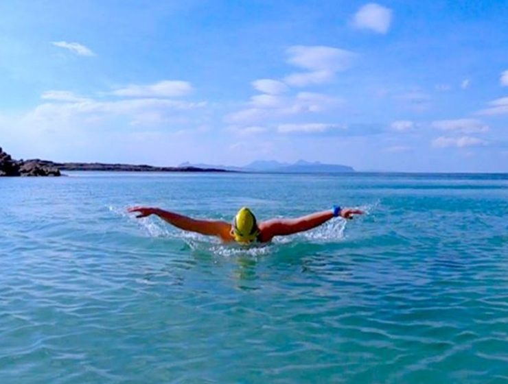 Κολύμπι στη θάλασσα