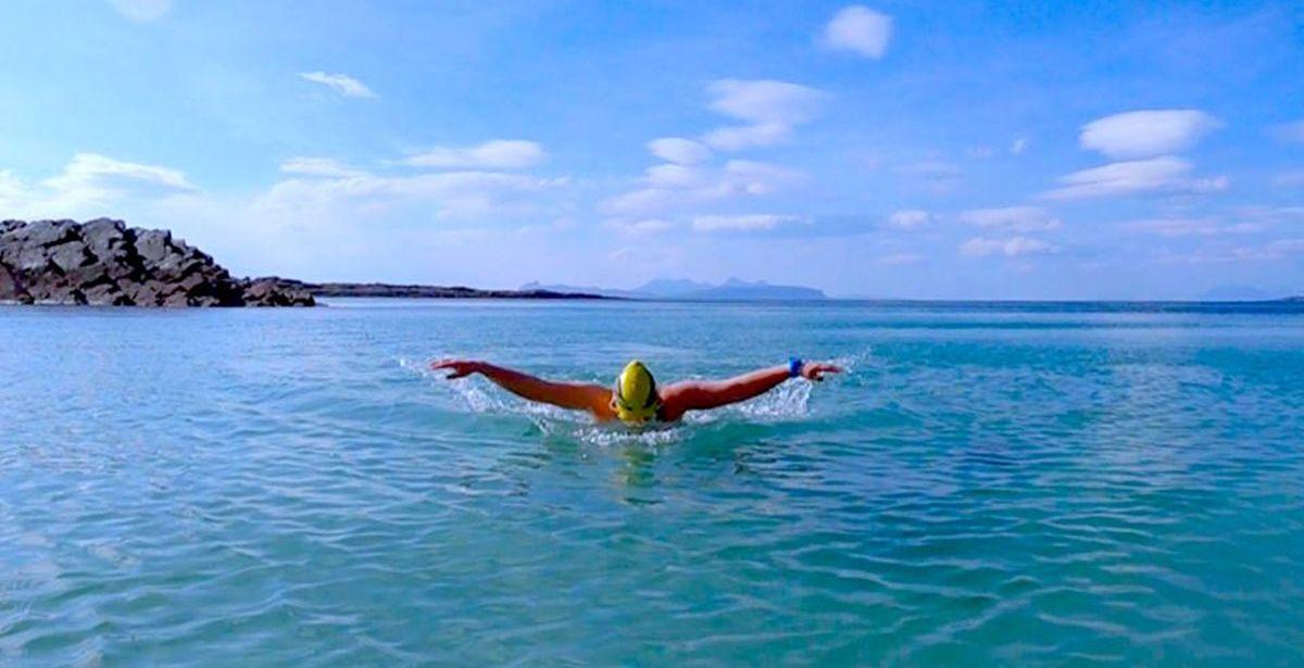 Νέοι περιορισμοί στις μετακινήσεις: Τί ισχύει για το κολύμπι στη θάλασσα;