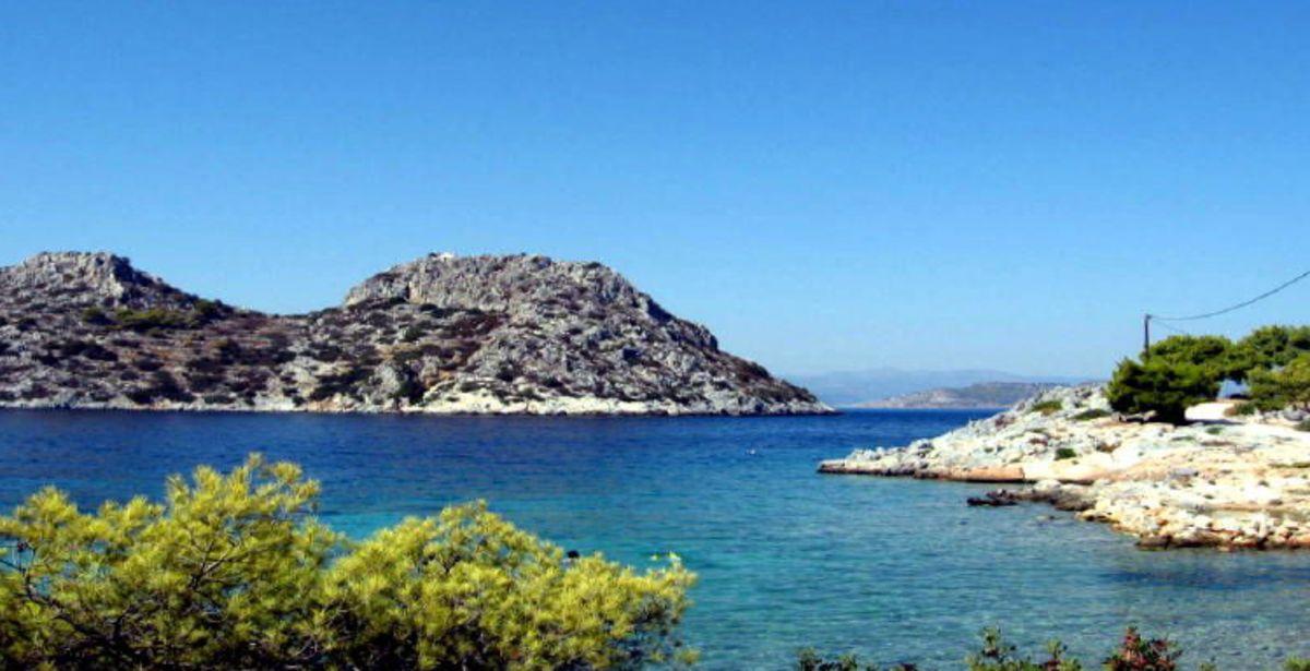Μετώπη: Η κινηματογραφική νησίδα του Σαρωνικού που ανήκει σε… εκατοντάδες ιδιοκτήτες! (video)