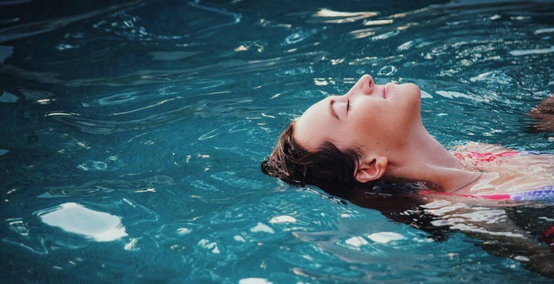 Μπάνιο με ασφάλεια! Πισίνα ή θάλασσα;