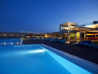 Εύβοια: Βρήκαμε την καλύτερη σουίτα με ιδιωτική πισίνα & συγκλονιστική θέα σε ξενοδοχείο – μέλος των Small Luxury Hotels of The World!