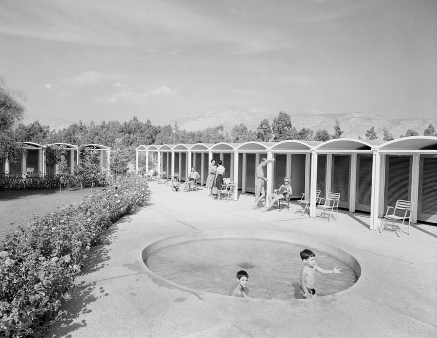Πισίνα με παιδιά, Αθήνα