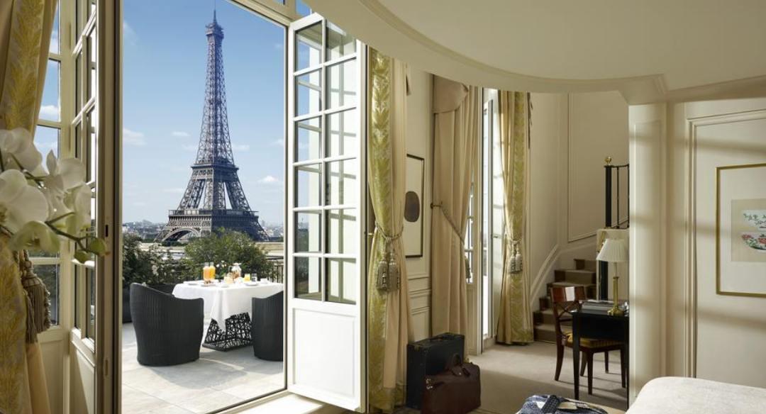 Αυτά είναι τα 8 πολυτελέστερα δωμάτια ξενοδοχείων στην Ελλάδα! Εκεί που η χλιδή... περισσεύει