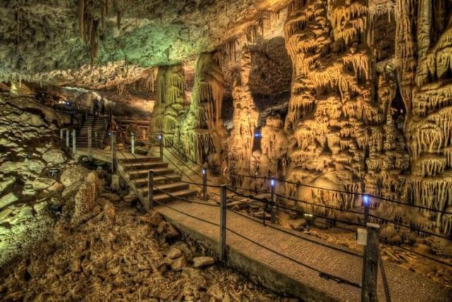 Σπήλαιο Avshalom
