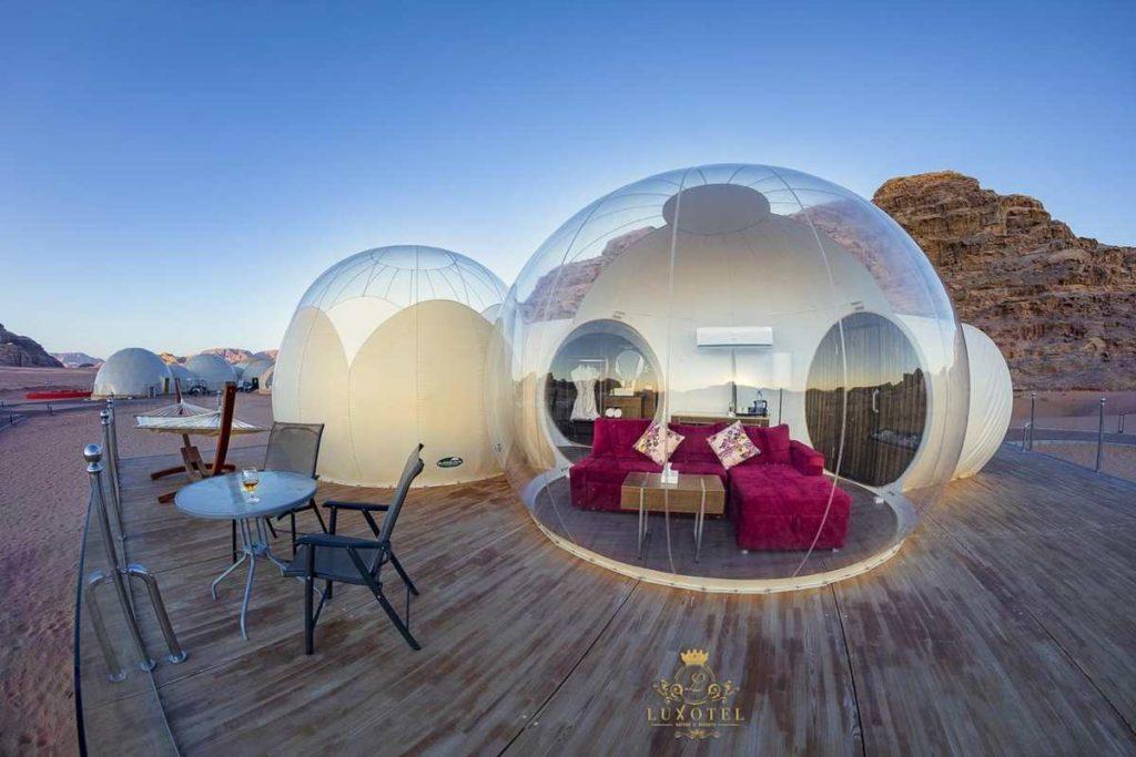 Bubble Luxotel, πανόραμα απο έξω