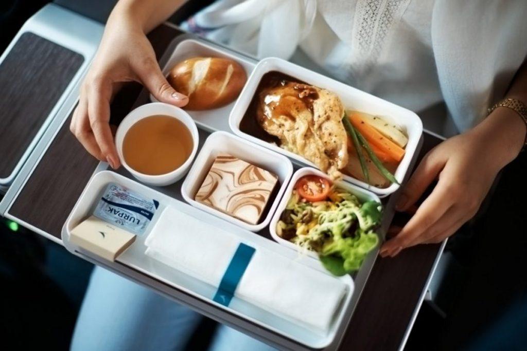 Η Cathay Pacific προσφέρει υπέροχο φαγητό στο αεροπλάνο