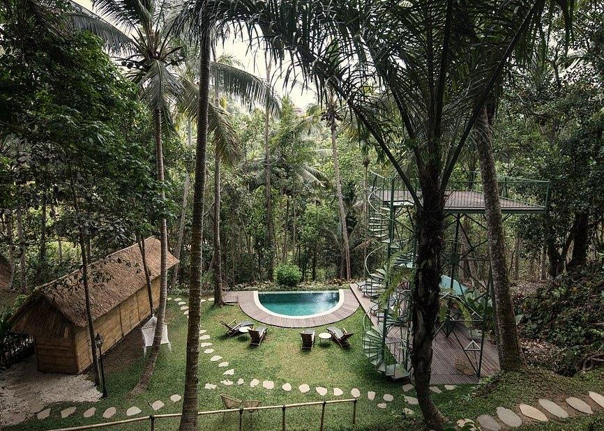 Πισίνα στο δενδρόσπιτο στο Μπαλί
