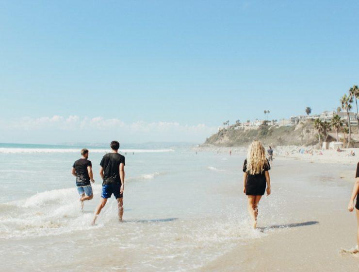 Διακοπές με φίλους παραλία