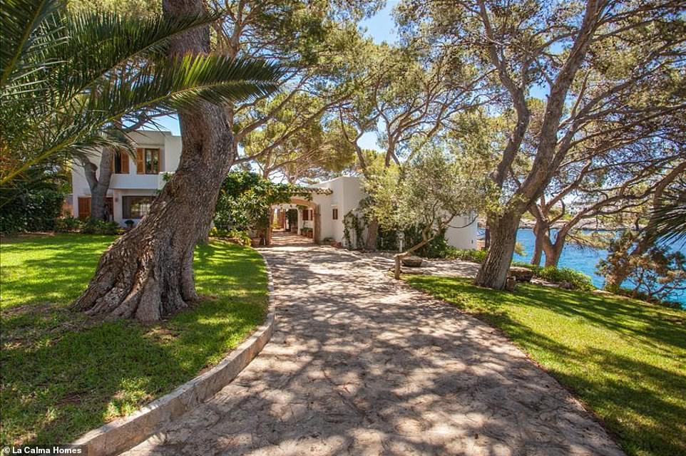 Είσοδος Villas Ibizan