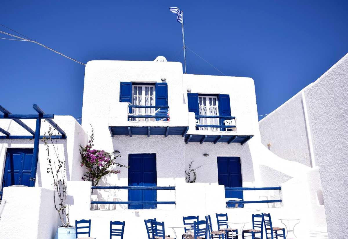Μύκονος: Ο Τάσος Δούσης γράφει για την γνωστή & άγνωστη πλευρά της με παραλίες, φαγητό, ξενοδοχεία, αξιοθέατα, μυστικά