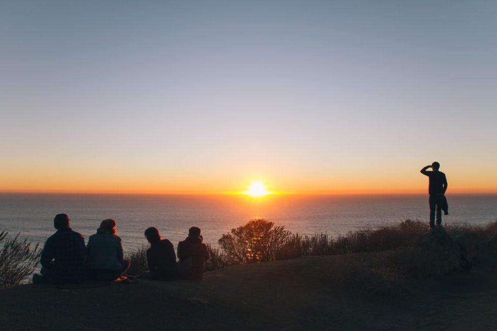 Ηλιοβασίλεμα με φίλους